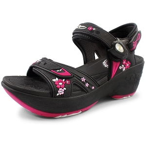 Wedge Snap Lock Sandal: 0758 Fuchsia (Size: 7.5/8)