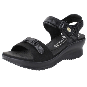 Ladies' Platform Snap Lock Sandal: 8696 Black (Size: 4-8)