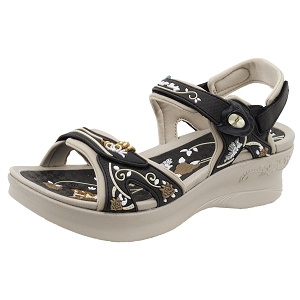 Ladies' Platform Snap Lock Sandal: 5974 Brown (Size: 4-8)